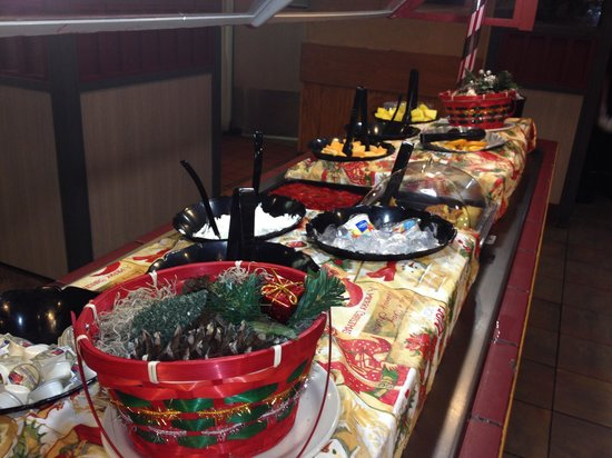 Hometown Grill and Buffet: Fresh fruits