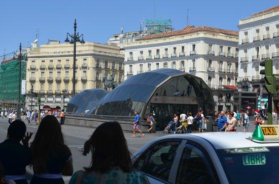 Puerto del sol picture of puerta del sol madrid for Puerta 53 bernabeu