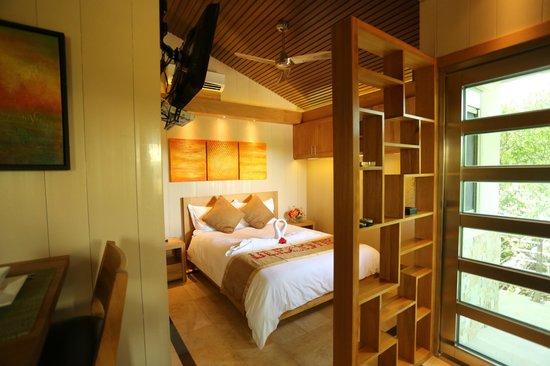 One On Marlin: Bedroom
