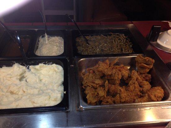 Hometown Grill and Buffet: Best fried chicken around