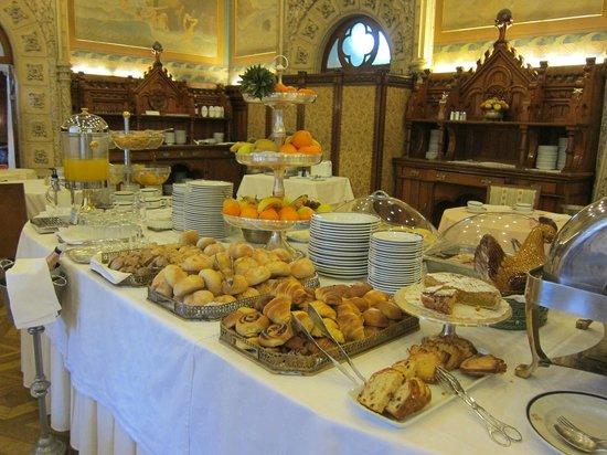 Bussaco Palace Hotel: le buffet du petit déjeuner
