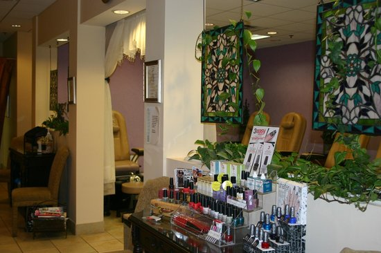 Spa on the Avenue: Nail Department