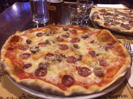 Pizzeria Pub Luna Rossa: La Pecorina
