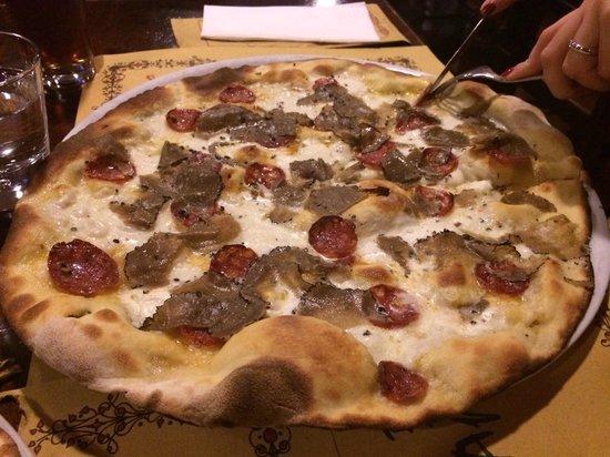 Pizzeria Pub Luna Rossa: Le scaglie vere di tartufo!