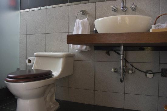 Altura Hotel: Bathroom