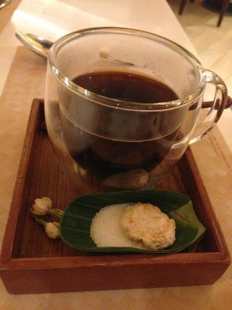 Tesate Restaurant - Plaza Senayan: attention to details, down to the coffee cup.