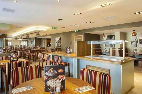 Premier Inn Woking Town Centre Hotel: the Kitchen