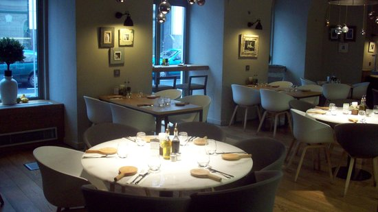 Hotel Zenit Budapest Palace: ontbijtruimte/restaurant in het hotel