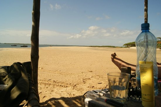 Lamu House Beach Club : The beach
