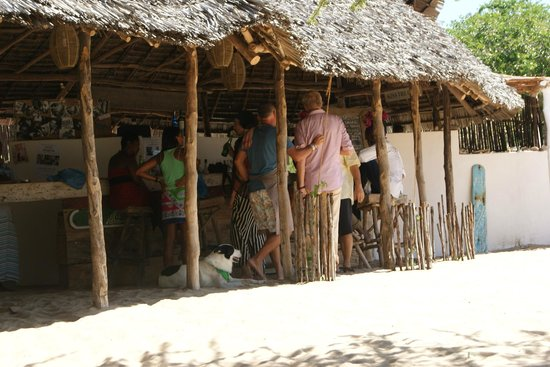 Lamu House Beach Club : Meeting people at the beach