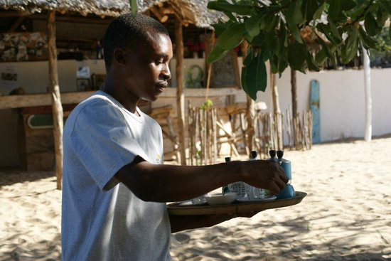 Lamu House Beach Club : The service with a smile