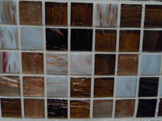 Thalassa Locanda - B&B : 1° Particolare mattonelle bagno