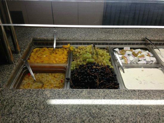 Elounda Ilion Hotel: Buffet