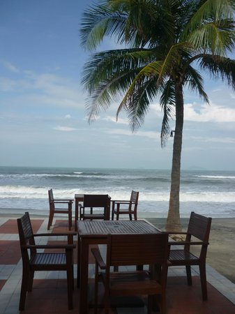 Palm Garden Beach Resort & Spa: View from the beach bar