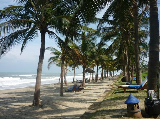 Palm Garden Beach Resort & Spa: Along the beach
