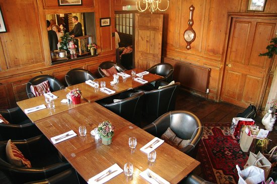The Weymouth Arms: Lovely private dining room for our family Christmas