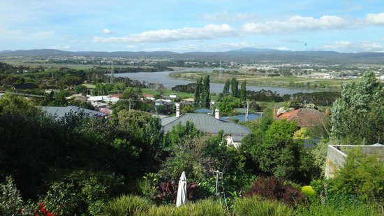 Forest Road Apartments: Another view of the Tamar to Mt Arthur