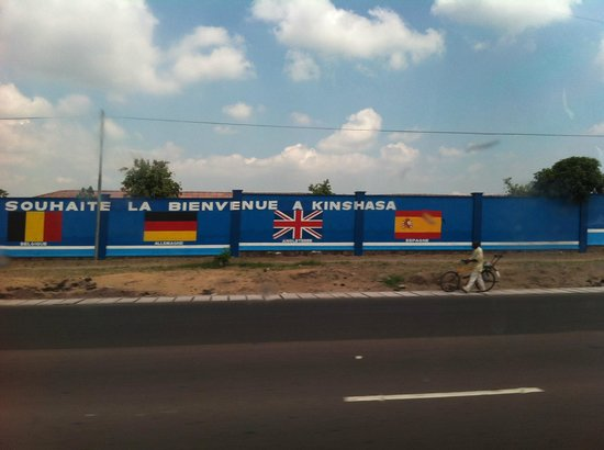 Kempinski Hotel Fleuve Congo : Streets of Kinshasa