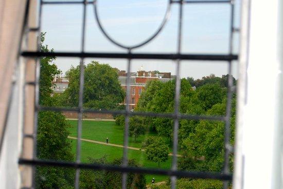 The Milestone Hotel and Residences: Blick auf den Kensington Park