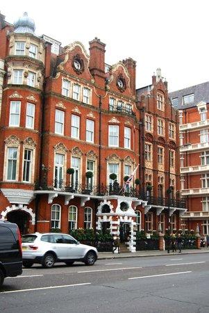 The Milestone Hotel: Außenansicht des Milestone Hotel