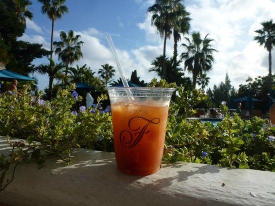 Fairmont Southampton: good rum swizzles