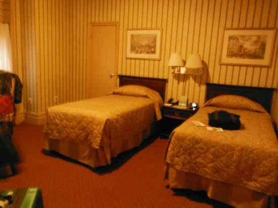 Wolcott Hotel: Main room