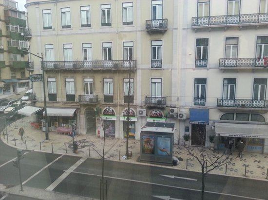 Czar Lisbon Hotel : View to the street