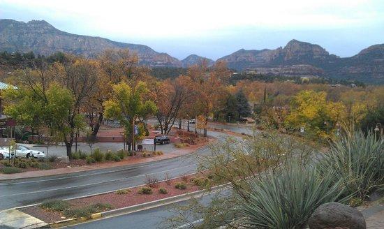 Sedona Motel: Вид с Паркинга мотеля на местность