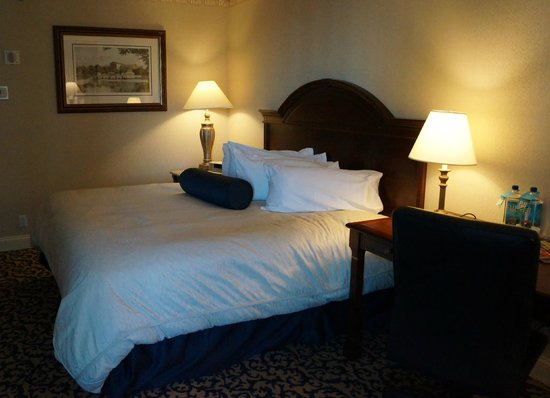 The Franklin Hotel at Independence Park: A comfortable bed with pillows