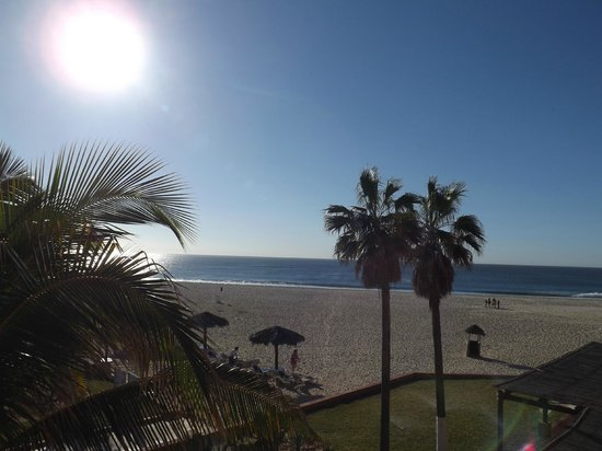 Holiday Inn Resort Los Cabos All-Inclusive: noon out our room