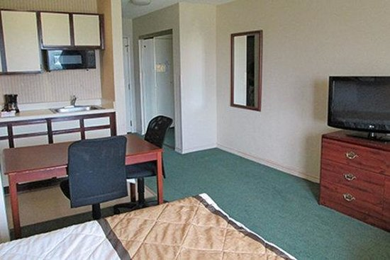 Extended Stay America - Arlington - Six Flags: Studio Suite - 1 Queen Bed