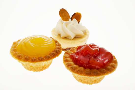 Three Peaks Dinner Table: Mini desserts perfect for open houses!