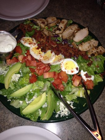 MacKenzie River Pizza, Grill & Pub: Full size Cobb salad