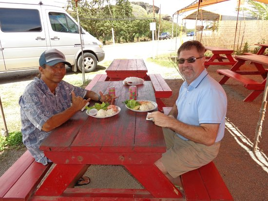 Oahu Spot Tours: Shrimp Lunch with Ron