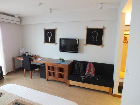 Sunny Mountain Hotel: Spacious room