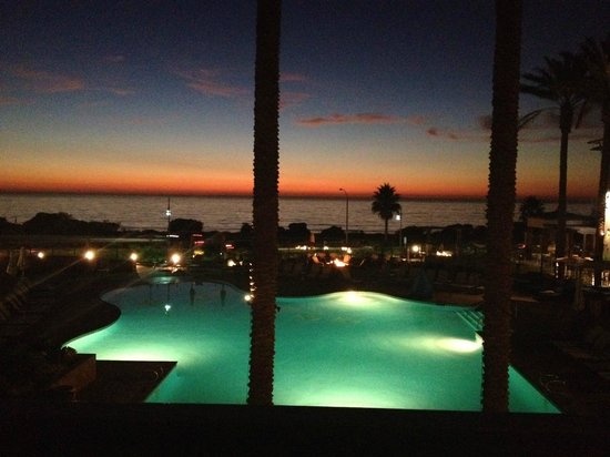 Cape Rey Carlsbad, a Hilton Resort: Oceanview Room with Pool view