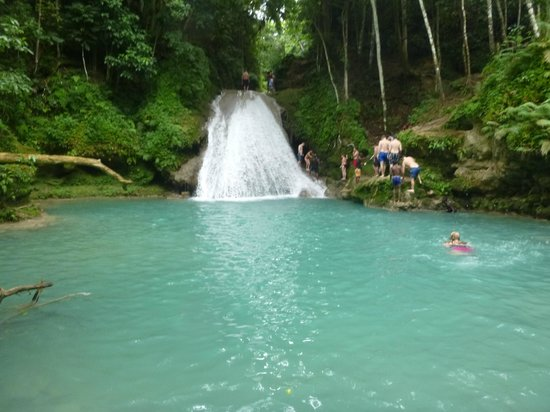 Blue Hole Mineral Spring: Blue Hold Falls