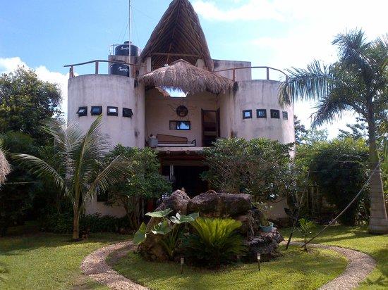 Casa Aq ab al: House