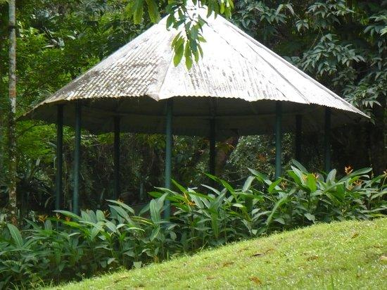 Castleton Gardens: Gazebo at the Gardens