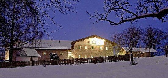 Naturhotel Gidibauer Hof: Hof-Hotel aussenansicht