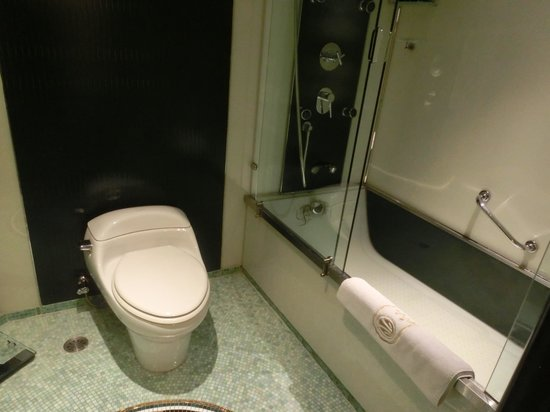 Hotel Lisboa Macau : 浴室