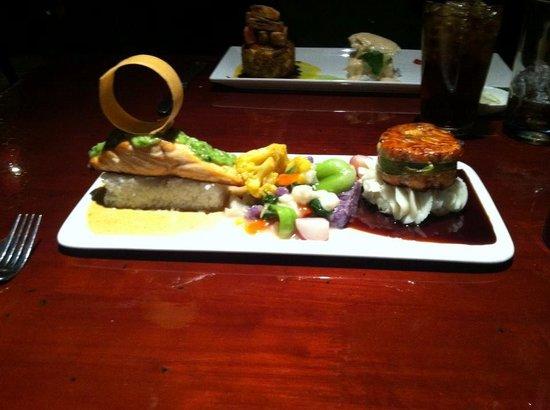 Wild Mango Restaurant and Bar: Salmon Duo