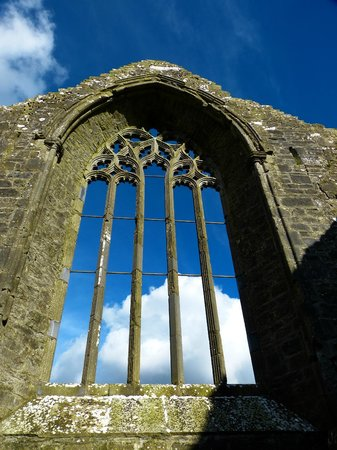 Clontuskert Augustinian Friary: Eastern Window