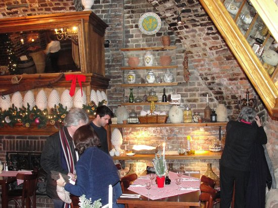 Bellini Trattoria: The table layout