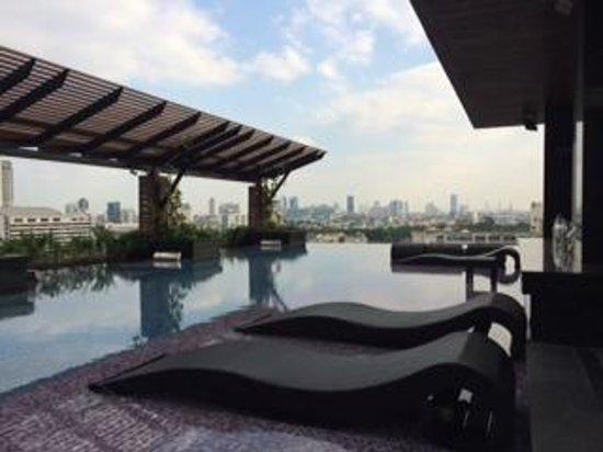 Mode Sathorn Hotel : Pool area