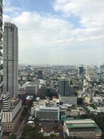 Mode Sathorn Hotel: Roof top bar view