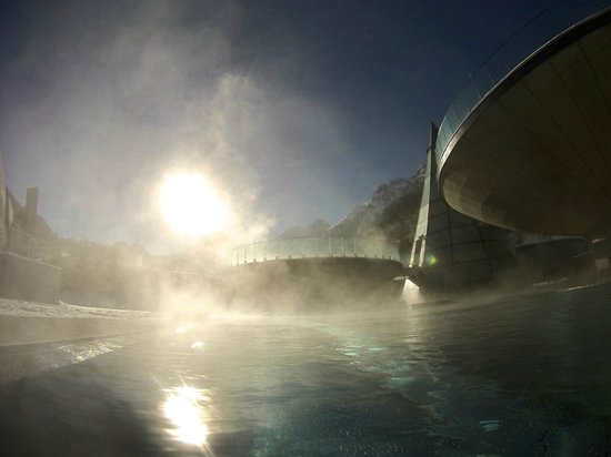 AQUA DOME Hotel: Schwebe-Schalen