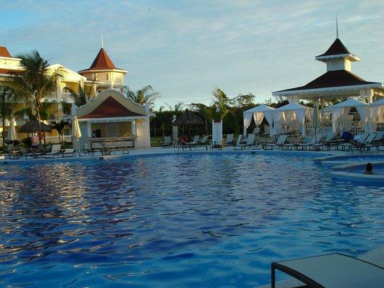 Luxury Bahia Principe Bouganville Don Pablo Collection: piscine