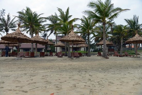 Palm Garden Beach Resort & Spa: From beach into resort