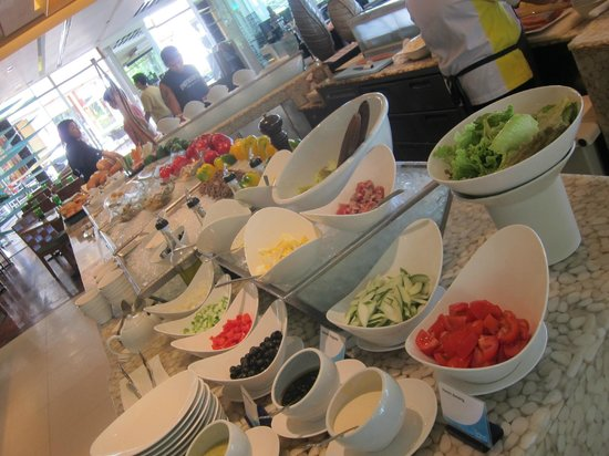 Shangri-La's Mactan Resort & Spa: lunch